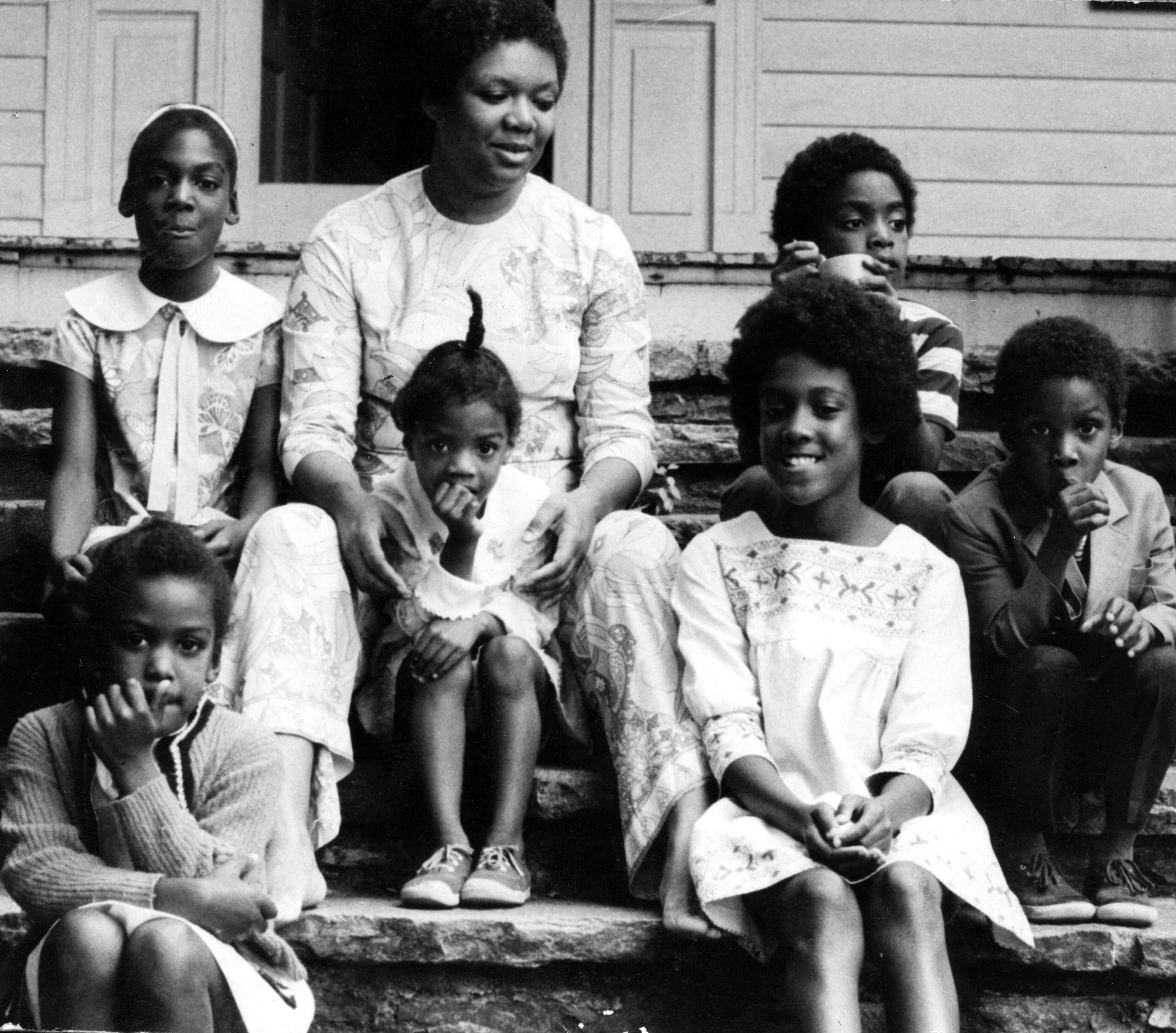 Mom_and_Kids_circa_1969